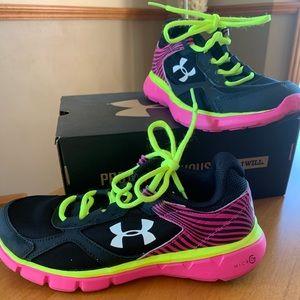 Under Armour Micro G Engage Girls Running Shoe